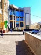 Premises 40m sq. 1 minute metro pl. the Constitution