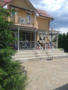 Сдаю посуточно и на Новый Год дом в Киеве на Десне