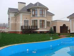 Sell the house. Kievo-Svyatoshinskiy R-n. kryukovshchina 3-level house