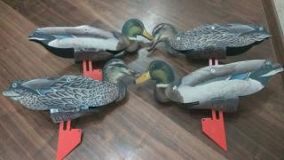 Stuffed decoy for hunting