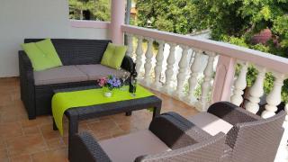 Выгодная недвижимость в Хорватии, Pakostane, дом возле моря